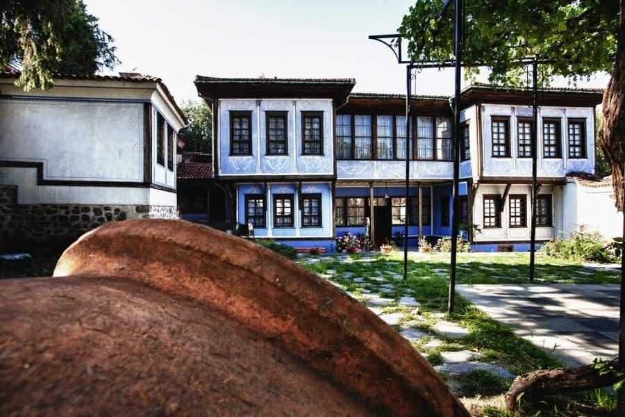hindliyan-house-outside